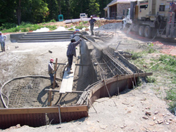 how to build a concrete pool