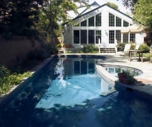 gunite swimming pool construction