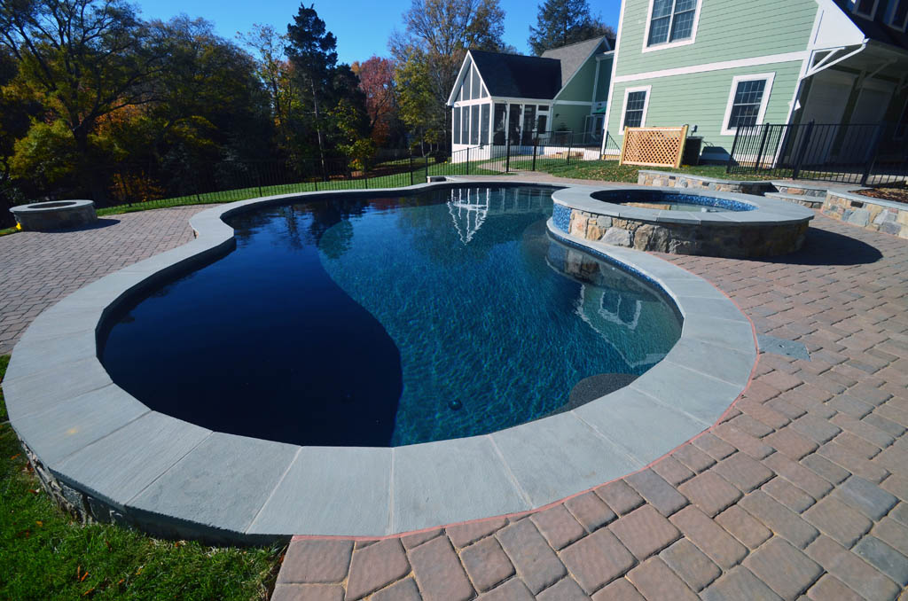 Freeform Pools | Swimming Pools | Town & Country Pools