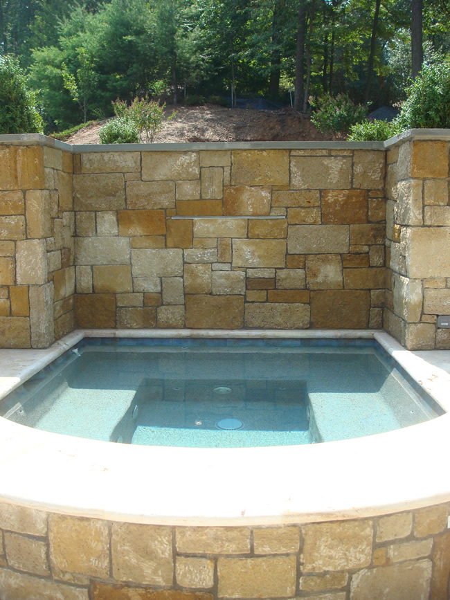 Detached Raised Spa - Mclean, Virginia